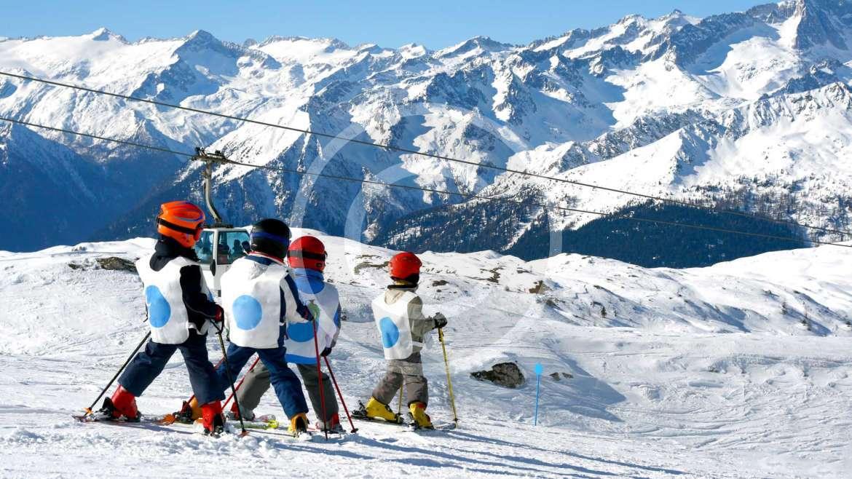 La guida per principianti: sci o snowboard?